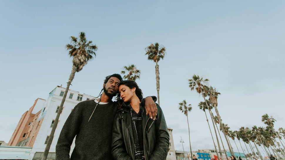 Couple hanging at Venice Beach