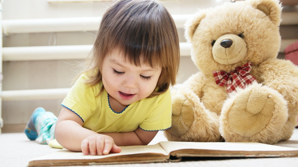 "Toddlers ""reading"" books is the perfect Instagram photo."