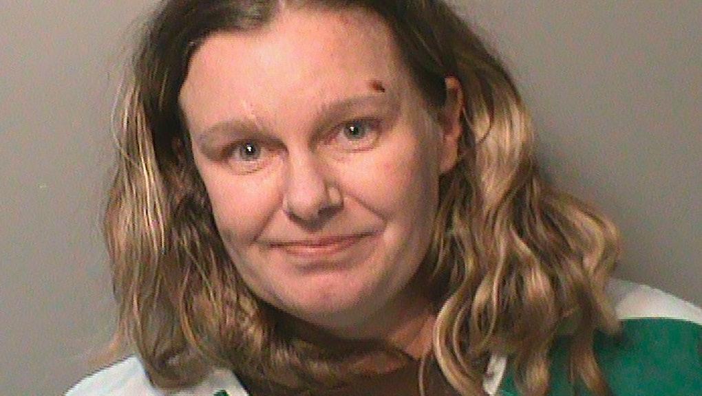 Esta foto sin fecha proveída por la cárcel del condado Polk, Iowa, muestra a Nicole Marie Poole Franklin. Clive, de 49 años, está acusada de atropellar a propósito con su automóvil a una adolescente ded 14 años porque pensó que era mexicana