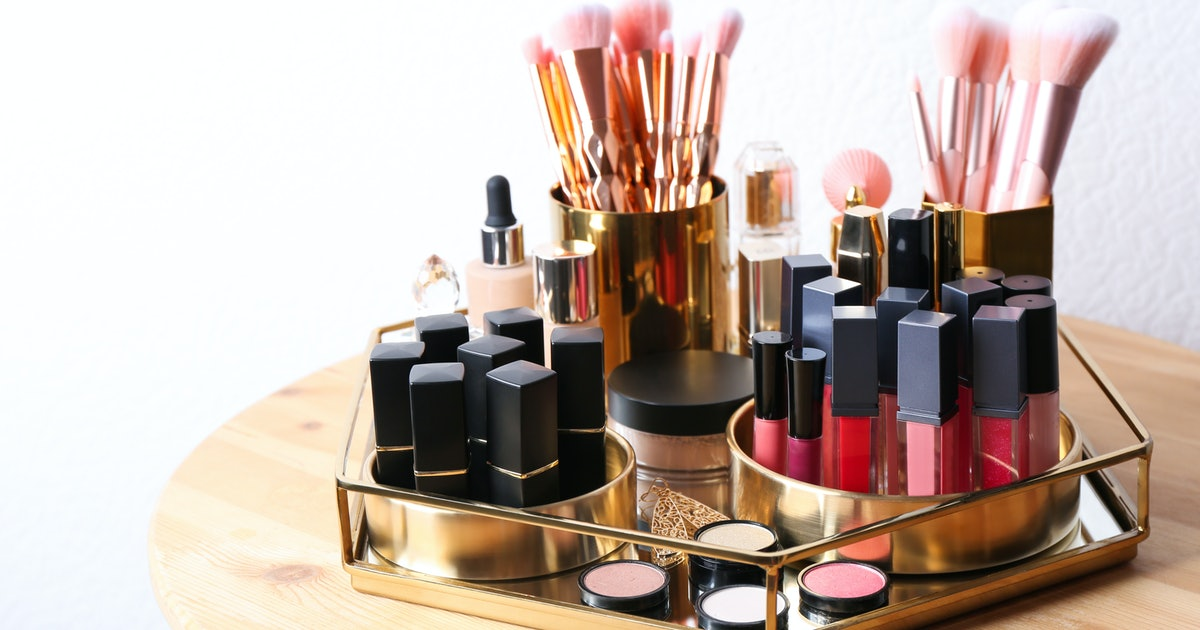 How To Quickly Organize Your Makeup Collection