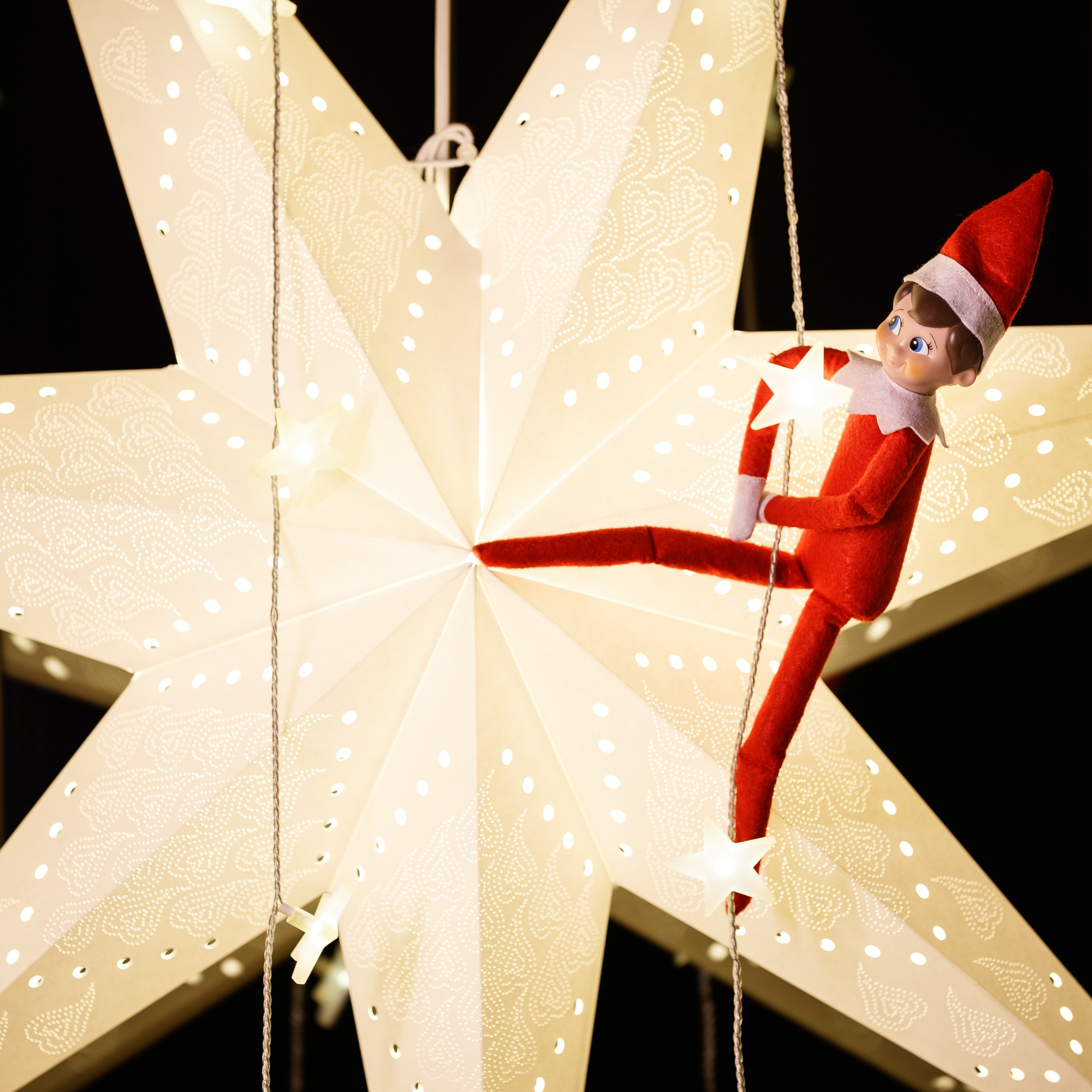 23 Easy Elf On The Shelf Ideas That Ll Take 2 Minutes Or