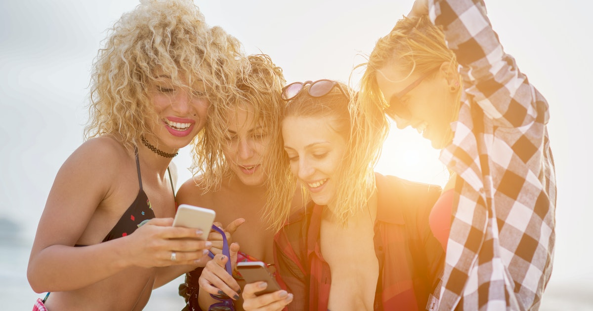 80 Group Chat Names For Vacation Because You Your Main Beaches Are Out Of Office