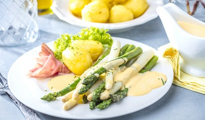 white asparagus with ham and Asparagus hollandaise sauce