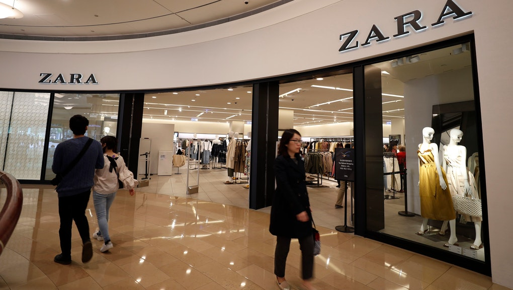 Customers walk past Zara, a Spanish fast fashion retailer store in Taipei, Taiwan, 13 March 2019 (issued 18 March 2019). Spain started its pork import to Taiwan in 2014 and has since become the second largest pork supplier behind Canada, with 45 million Euro (around 51 million US dollars) worth of products imported in 2018. Other products that are imported into Taiwan from Spain include wine, oil, cosmetics, clothing, cars and medicine.