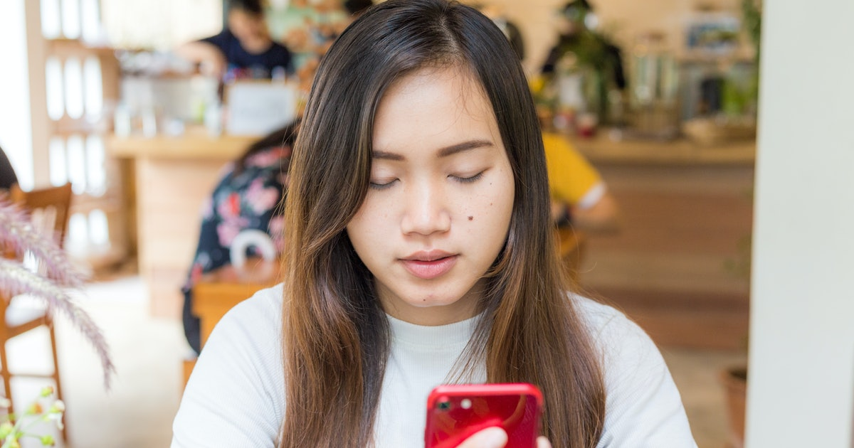 Taking A Break From Social Media Could Be Beneficial To These 4 Zodiac Signs, Astrologers Say