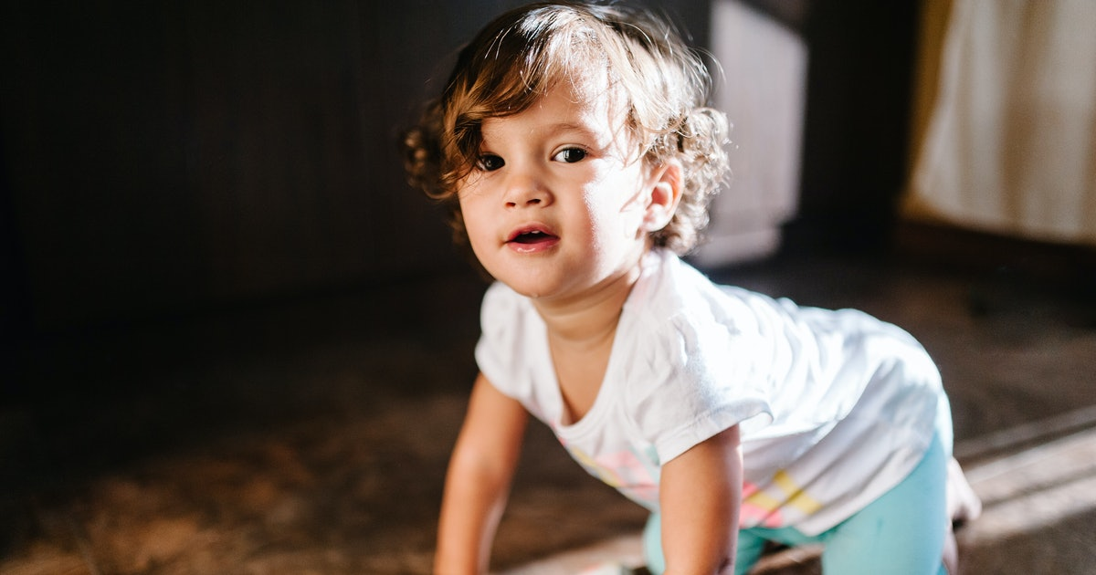 20 Top Spanish Baby Names That Strike The Perfect Balance Between Trendy & Traditional