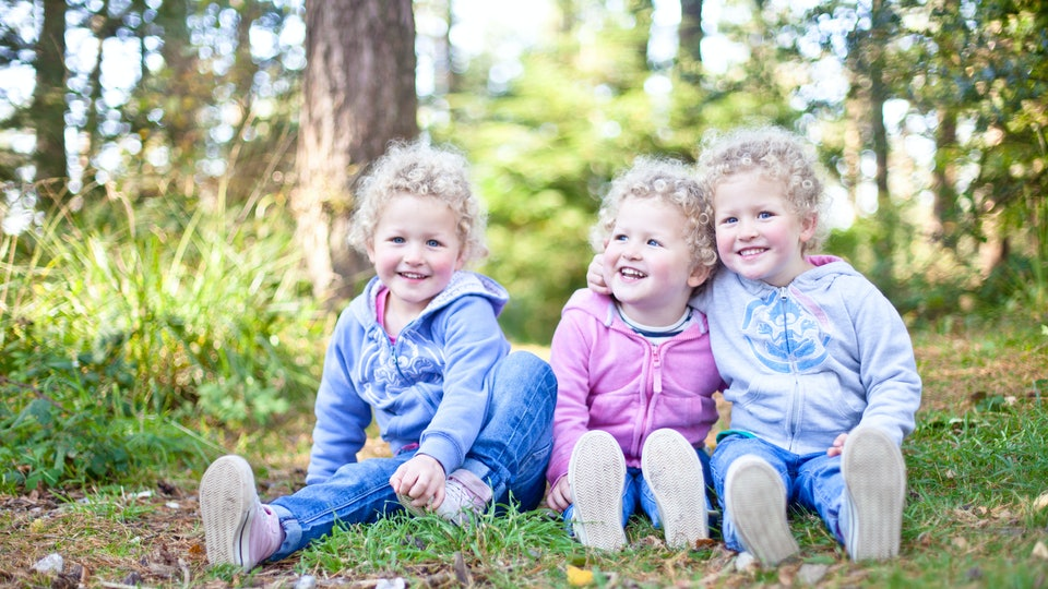 5 Fascinating Facts About Triplets That Prove Multiple Births Are Straight-Up Miracles