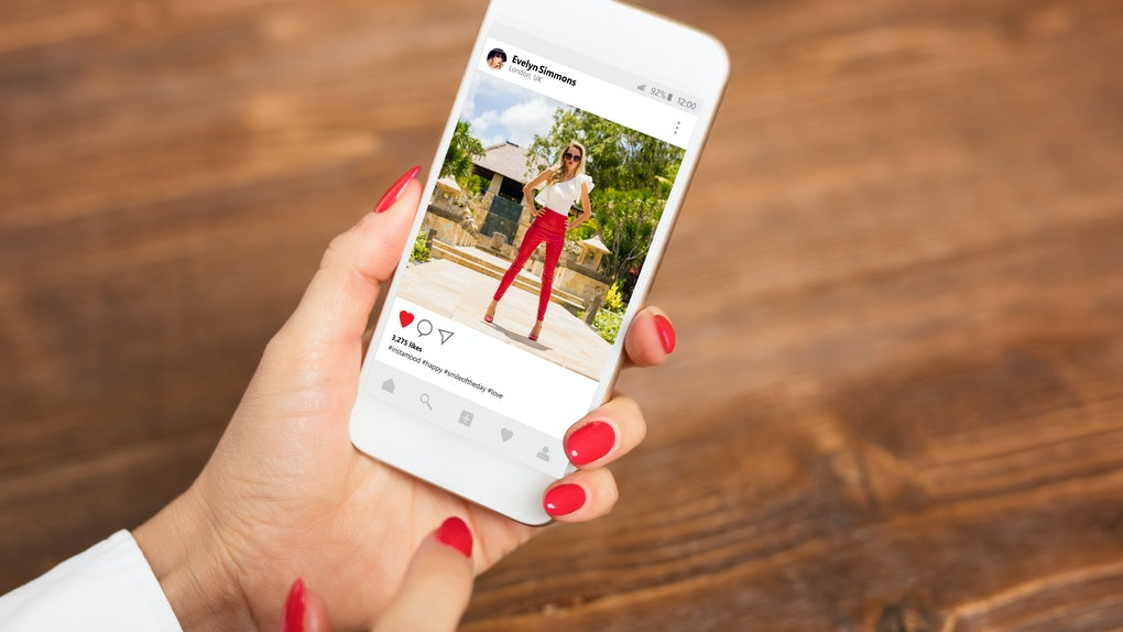 Instagram is rolling out a new anti-bullying feature to prevent offensive language in captions.