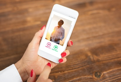 Since there are sex offenders on dating apps, it's important to take measures to protect yourself.