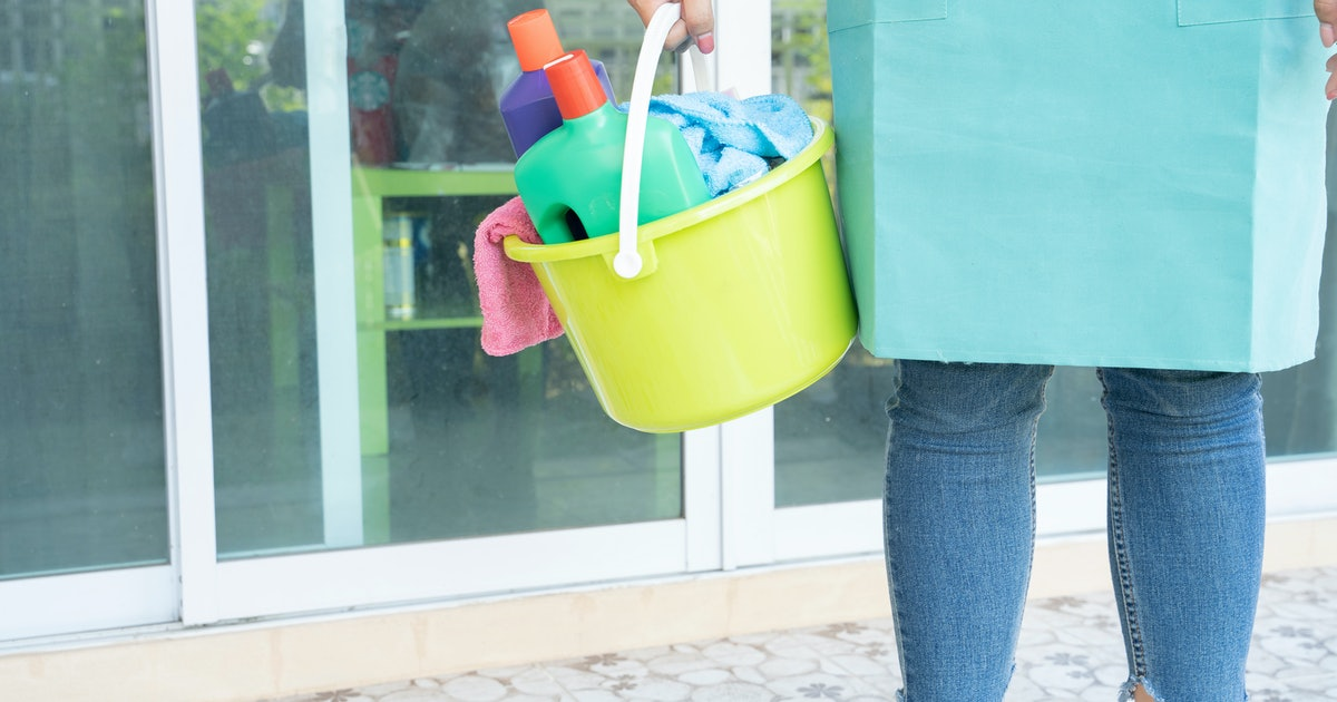 Women Still Do Most Of The Household Chores When Living With A Male Partner, A New Study Found