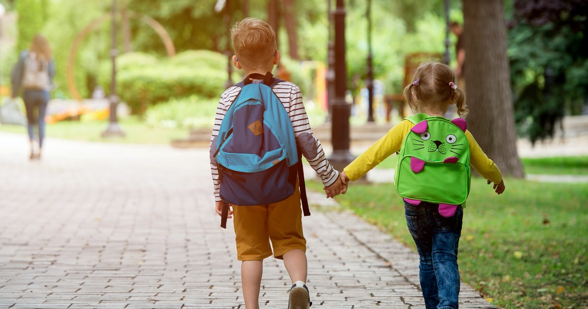 8 Things Your Kid Will Do On The 1st Day Of Preschool That'll Help Put Both Of You At Ease