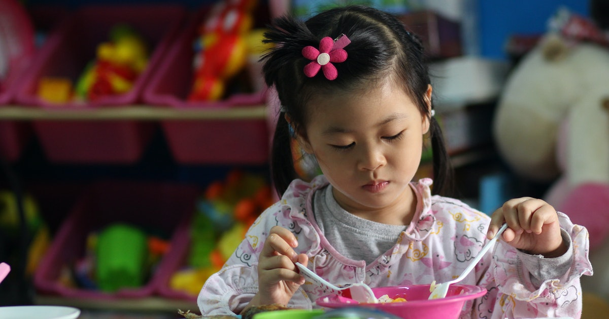 10 Hot Lunch Ideas For Kindergarteners Who Hate Sandwiches (That Won't Be A Soggy Mess)