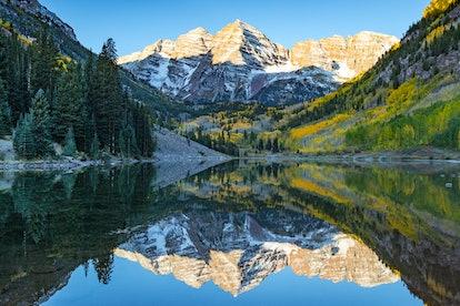 Landscape photo of Maroon bell at Colorado. in Aspen Colorado autumn season.