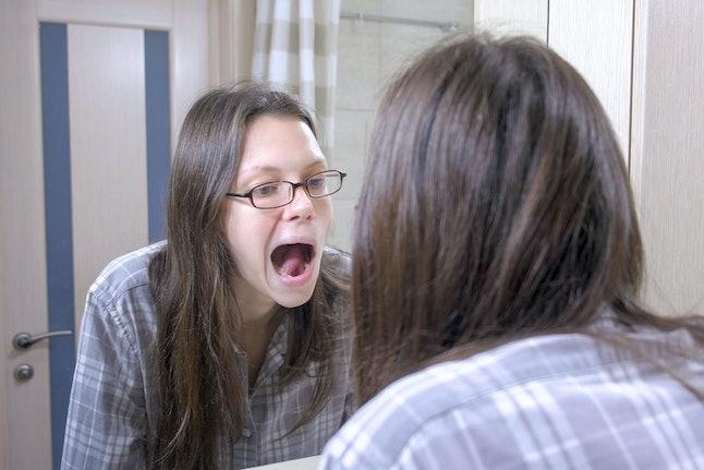 Que signifient les rêves de dents qui tombent ? 7 Rêves communs de stress décodés