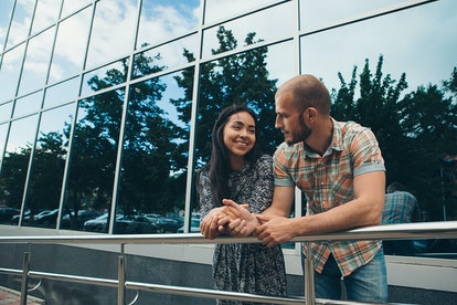 Going into the first few dates without expectations can help you stay confident and in the moment.