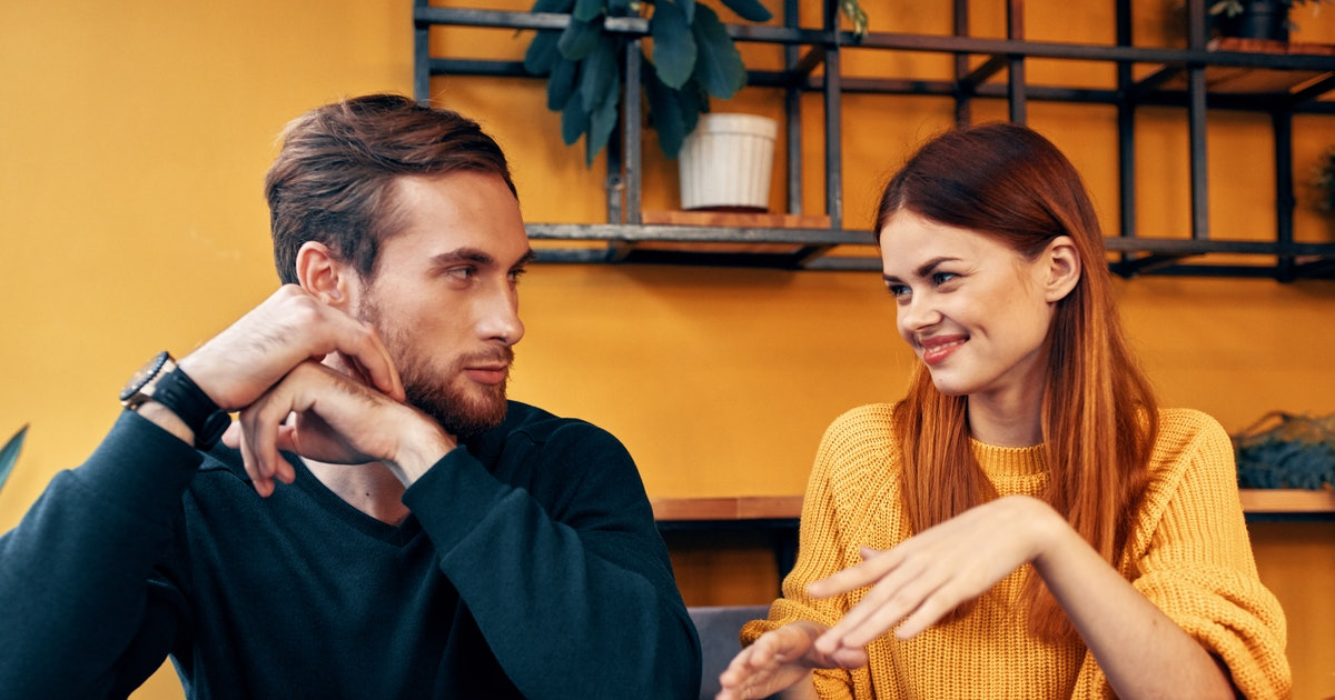 6 Ways To Feel More Comfortable Meeting New People From Dating Apps, According To Experts