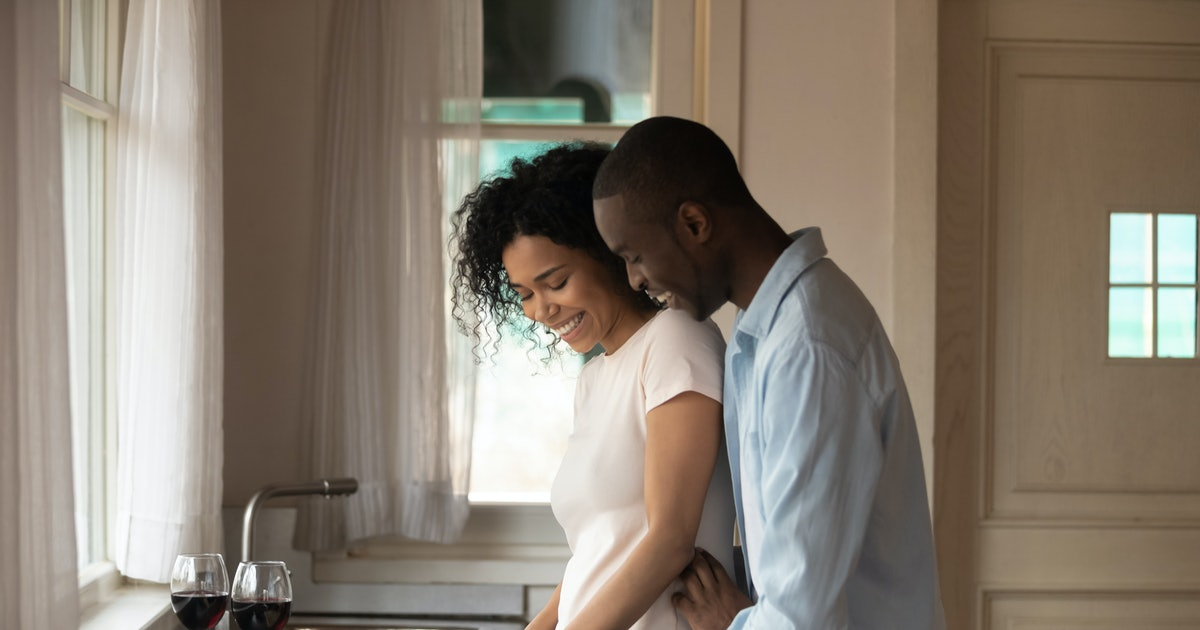 Is Keeping Secrets In A Relationship OK? 8 Things To Tell Your Partner In The First Year Of Dating