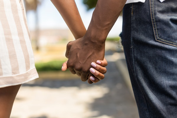 new test of couple holding hands