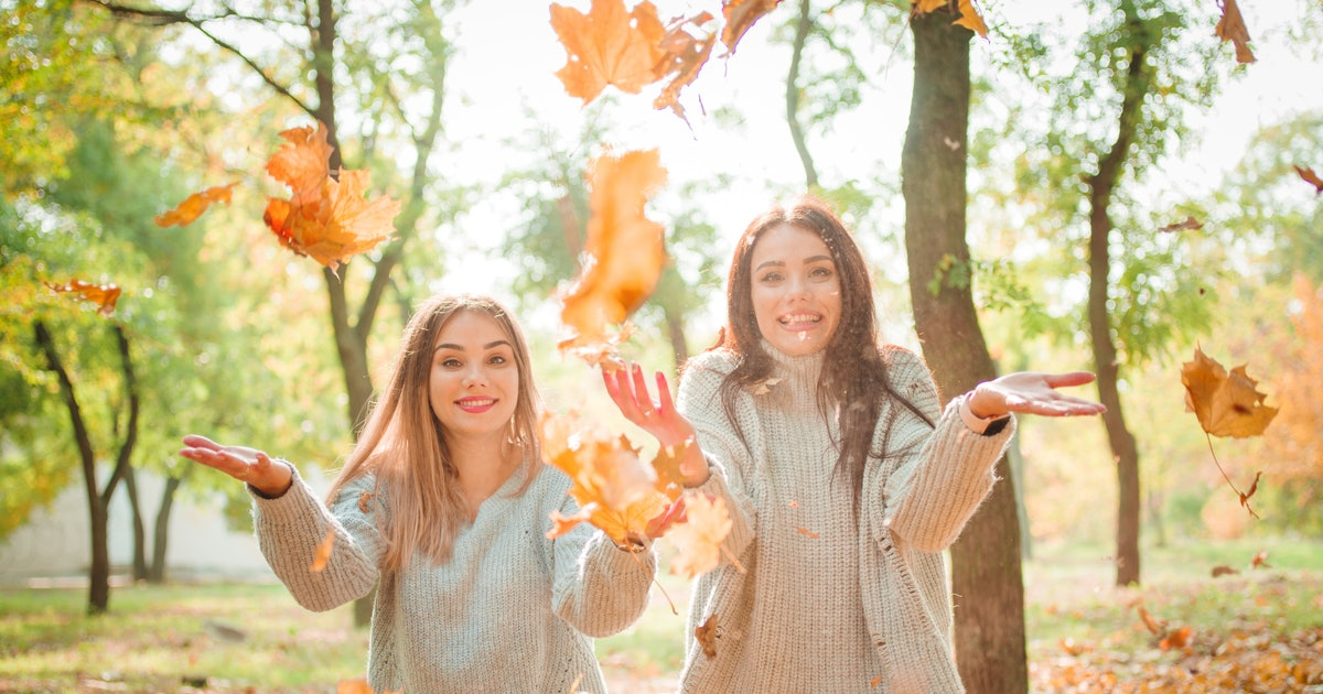 30 Fall Captions For Sisters Who Live For PSLs, Crunchy Leaves, & Apple Orchards
