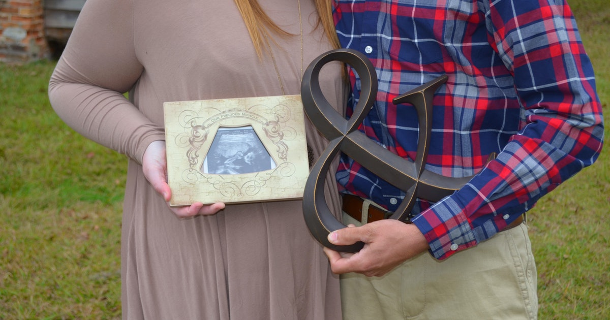 20 Hilarious Pregnancy Announcement Ideas To Make Your Big Reveal A Total Riot