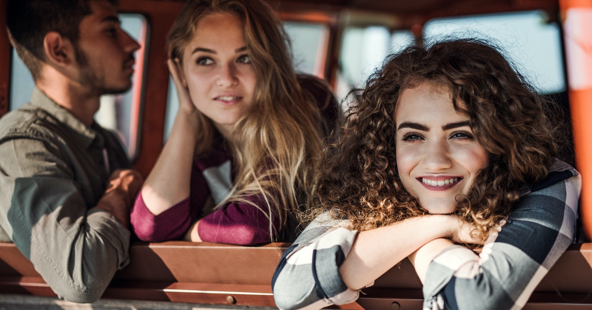 3 Signs A Friend Likes You As More Than Just Friends