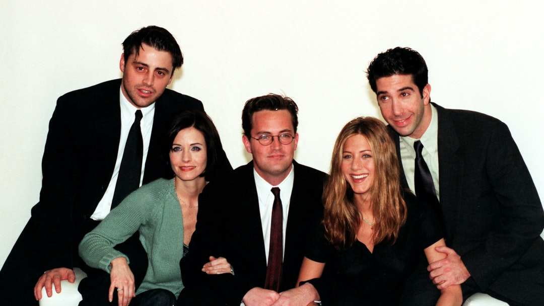 Cast Of Television Programme Friends In London To Film A Special Of The Us Sitcom. (l-r) Matt LeBlanc Courteney Cox Matthew Perry Jennifer Aniston And David Schwimmer.