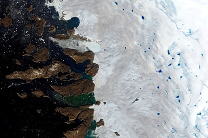 This, natural-color image made with the Operational Land Imager (OLI) on the Landsat 8 satellite sho...