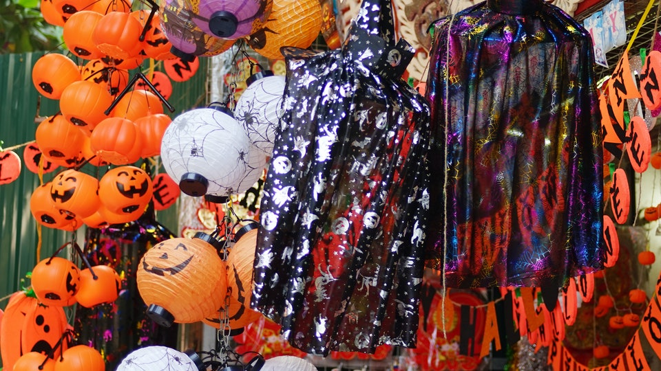 Spirit Halloween Clown Costumes Kids.Twisty The Clown Prop Decoration