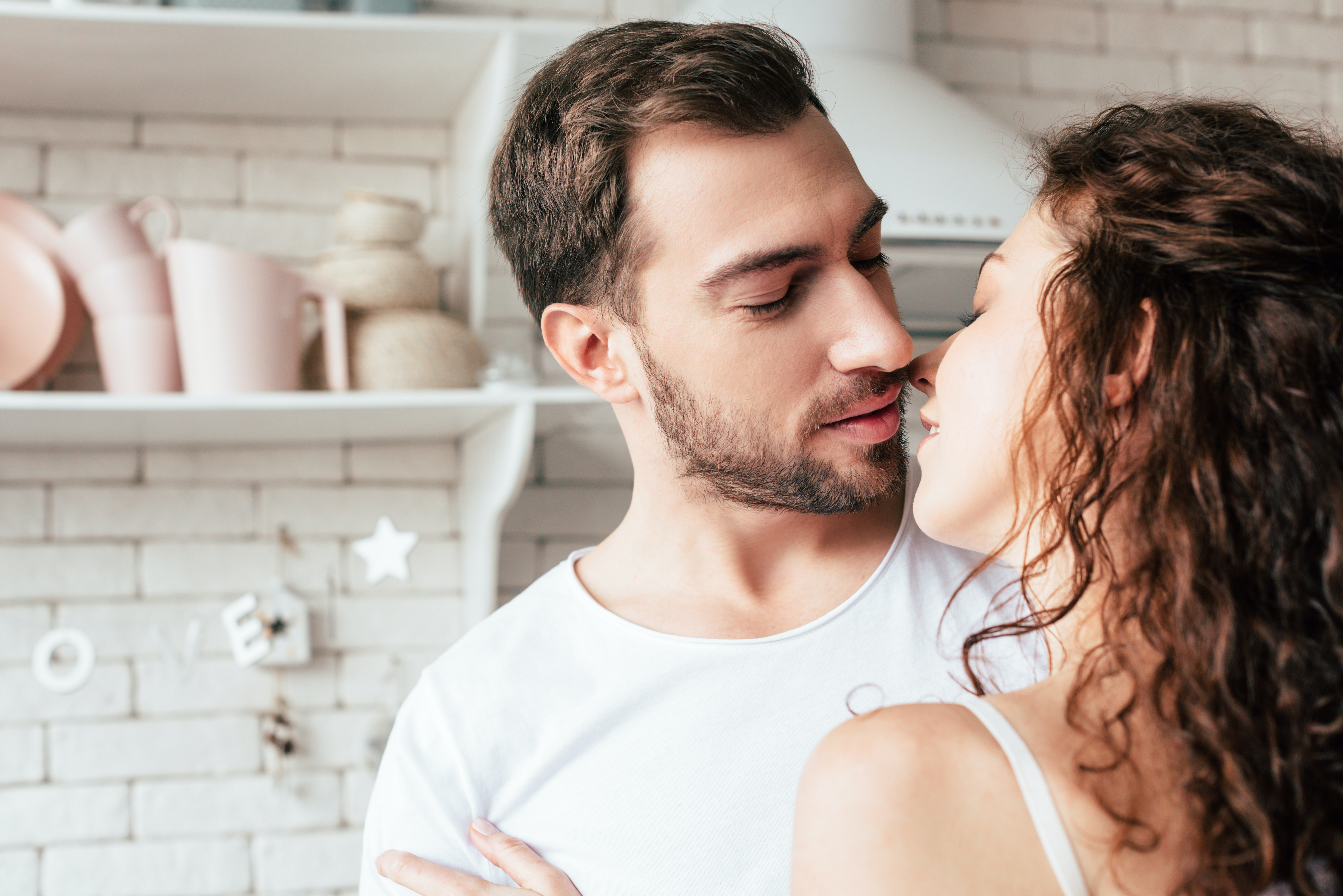 How To Avoid Sensitive Skin After Kissing, Because Making