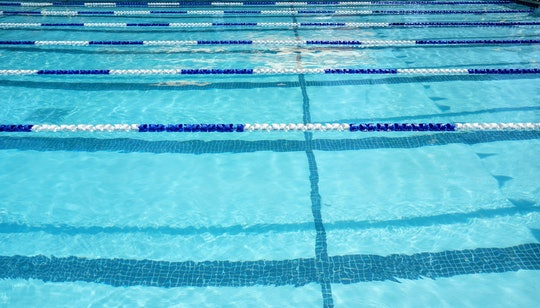 empty swim lanes ready for a swim meet