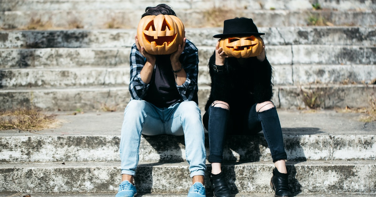 10 Simple Costumes For Halloween 2019 That Require Nothing More Than Your Own Clothes