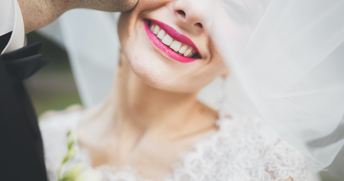 """7 """"You May Now Kiss The Bride"""" Alternatives For Wedding Ceremonies"""