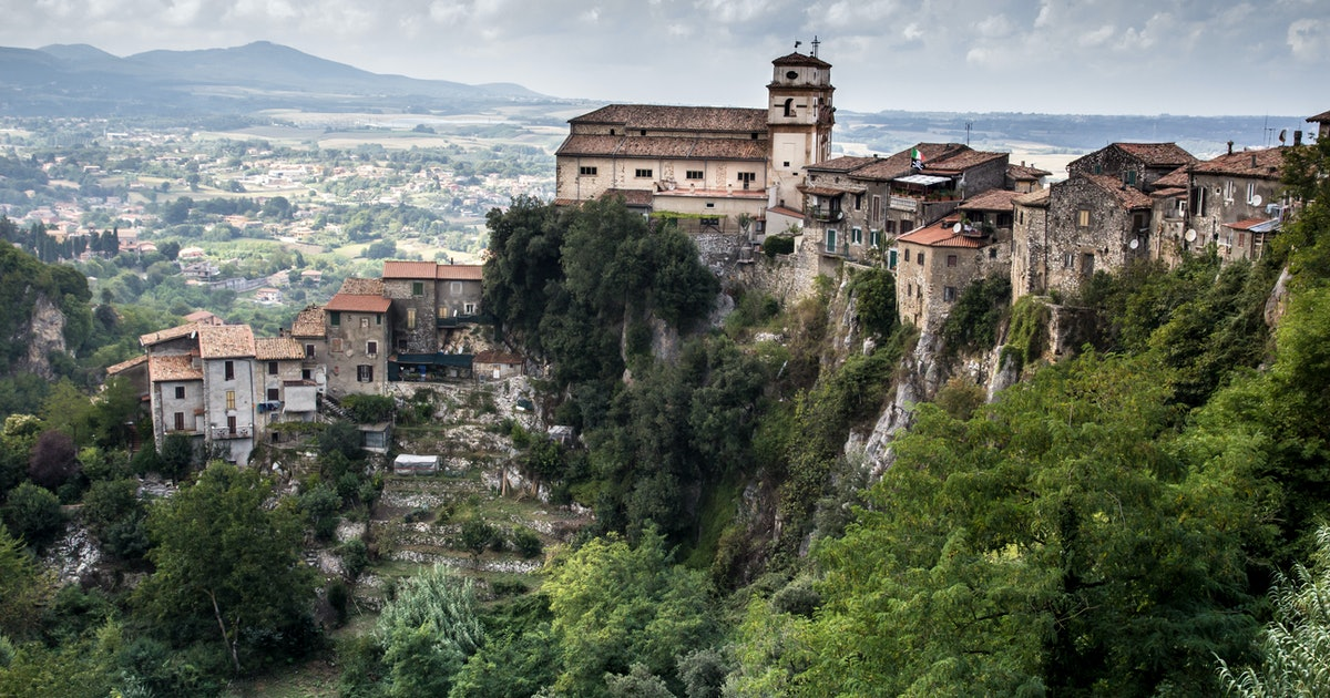 This Italy Town Is Offering $27,000 To Anyone Who Moves There & BRB I'm Packing My Bags
