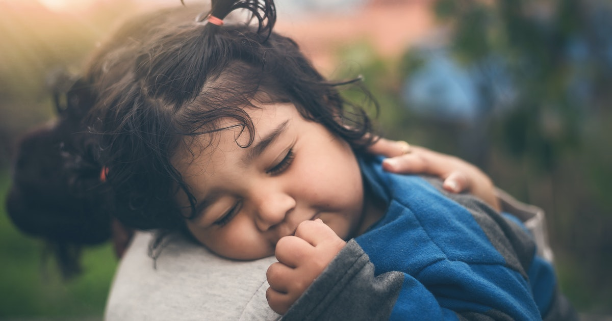A Child Feels Secure With This Many People In Their Lives, According To Therapists