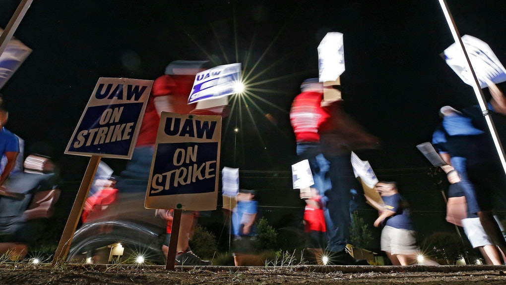 Members of the United Autoworkers (UAW) picket outside the General Motors (GM) plant in Arlington, Texas, USA, 17 September 2019. The UAW union went on strike at midnight against GM seeking higher wages among other demands.