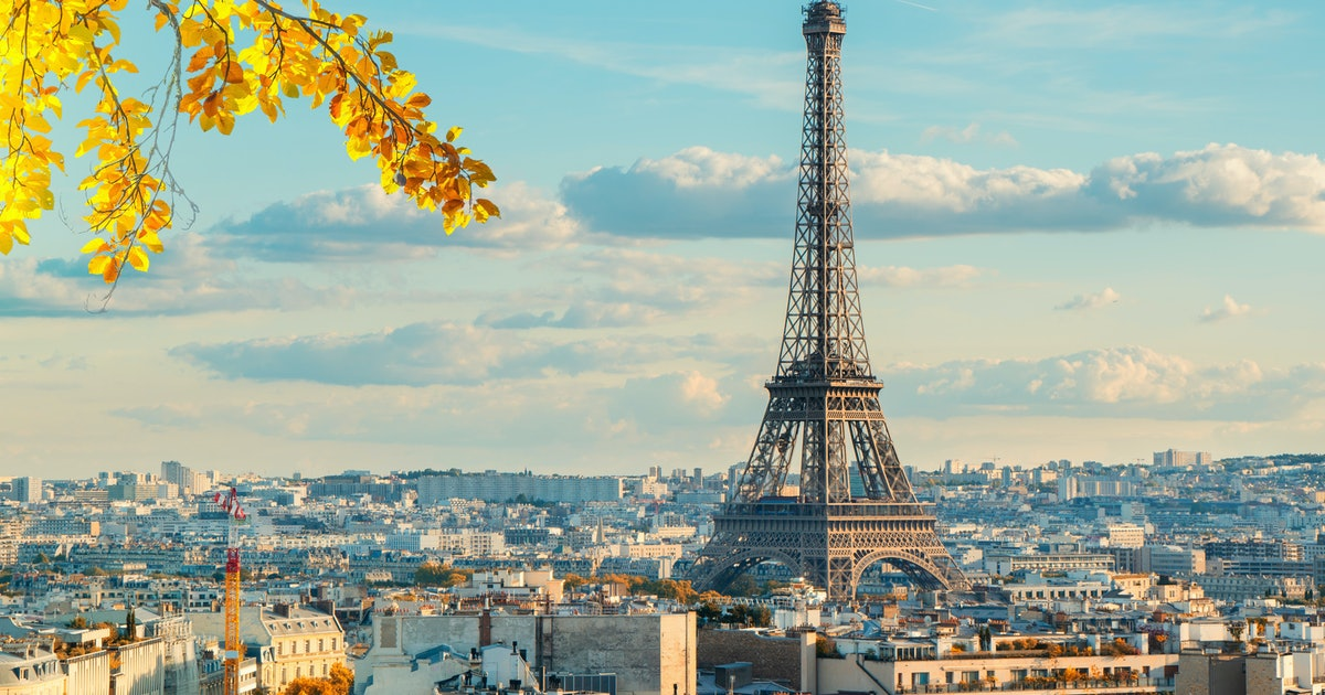 You Can Save Over $550 Dollars On Round-Trip Flights To Paris, So Bon Voyage