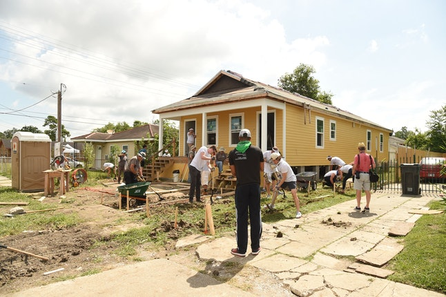 Atmosphere during Bluegreen Vacations and New Orleans area Habitat for Humanity construction of a home in the Lower 9th Ward in New Orleans, LA @bgvmarquee #onyourmarquee #bluegreenvacations @habitatnola