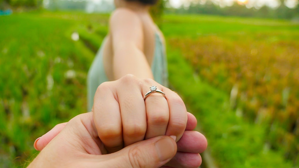 How Much Do Engagement Rings Cost 15 People Reveal How Much