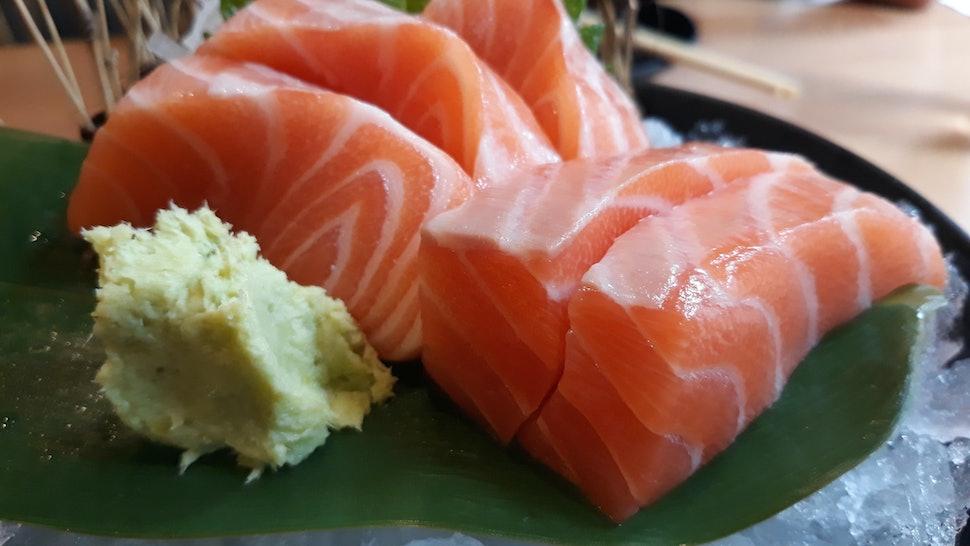 salmon sushi and wasabi