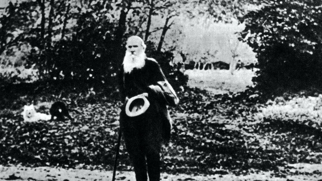 Full length portrait of Leo TOLSTOY (1828-1910), photograph taken, circa 1905