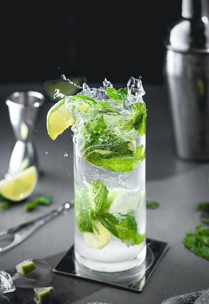 A splashy and cold mojitos.