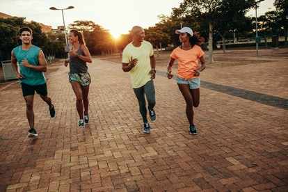 Join a running group to quickly plan a clean running route