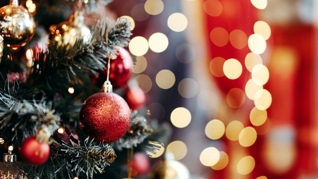 17 Christmas Tree Zoom Backgrounds To Liven Up Your Next Virtual Celebration