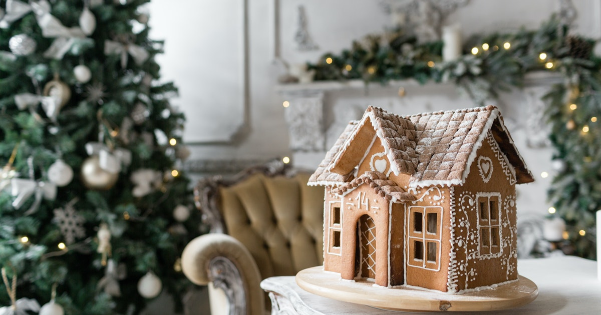 These 8 Gingerbread House Kits Are Must-Haves For The Holidays