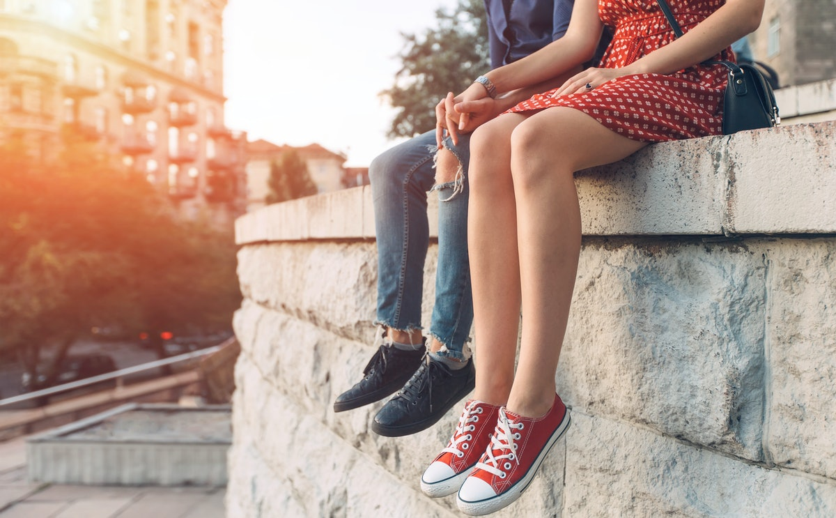 Here's how to maintain a healthy relationship if you have depression.