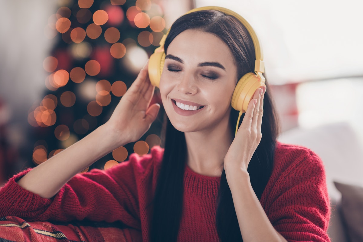 Here are the most romantic Christmas songs.