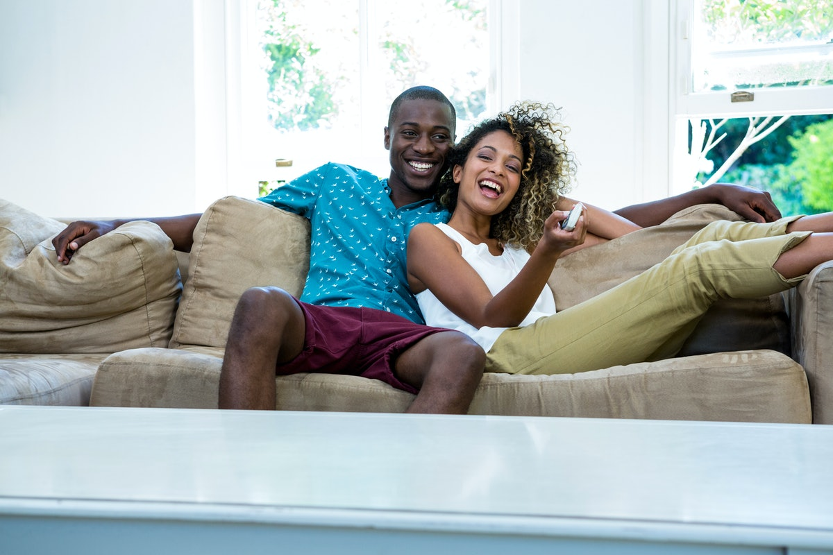 Wondering how to build anticipation before a date night in with your partner? Here are some ideas to try.