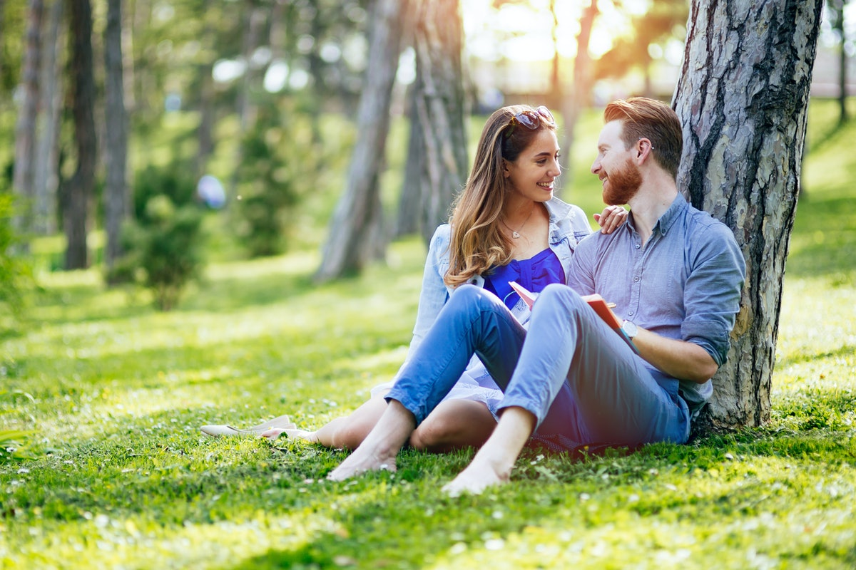 Not sure how to make your college relationship work after graduation? Experts say it's totally possi...