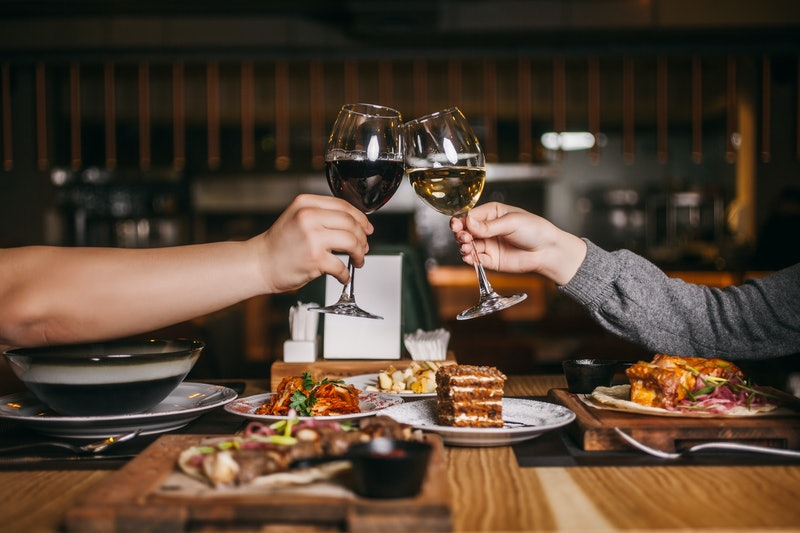 Where to get free food and deals at restaurants and more on Valentine's Day 2020.
