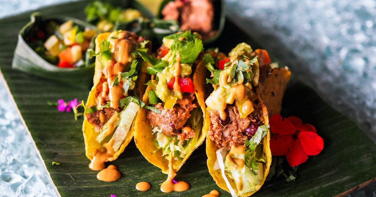 15 Easy Vegan Dinner Ideas You Can Get At Trader Joe's Right Now